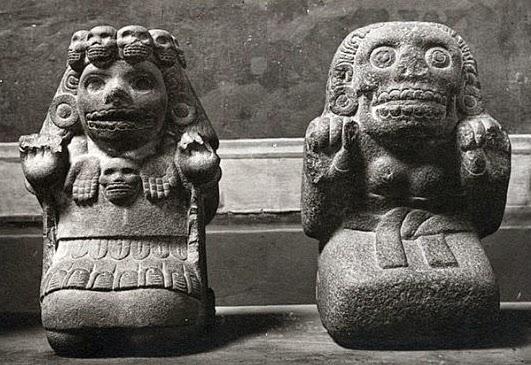 aztec-statues